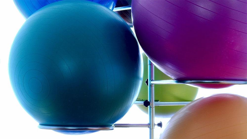 Fysioterapi med massage, akupunktur, kinesiotape m.m.